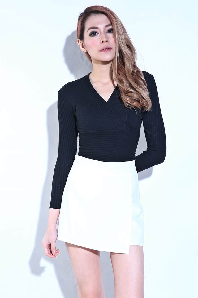 BACKORDER - KEITH KNIT TOP IN BLACK (LONG SLEEVE)