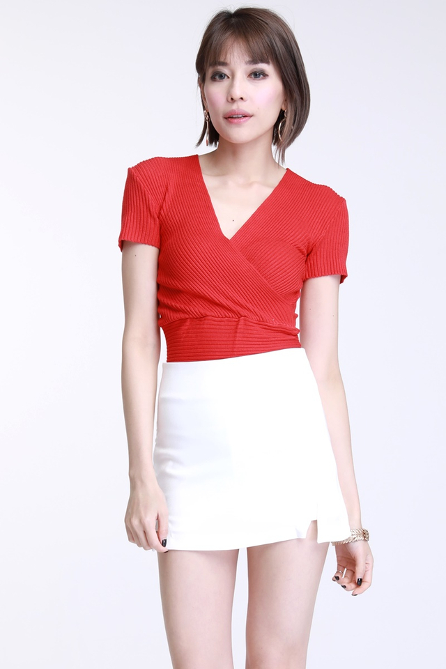 BCKORDER-  EVIE KNIT TOP IN RED