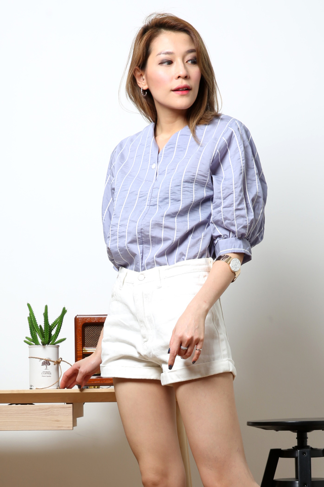 BACKORDER-CLAUDIA BUBBLE BLOUSE IN BLUE
