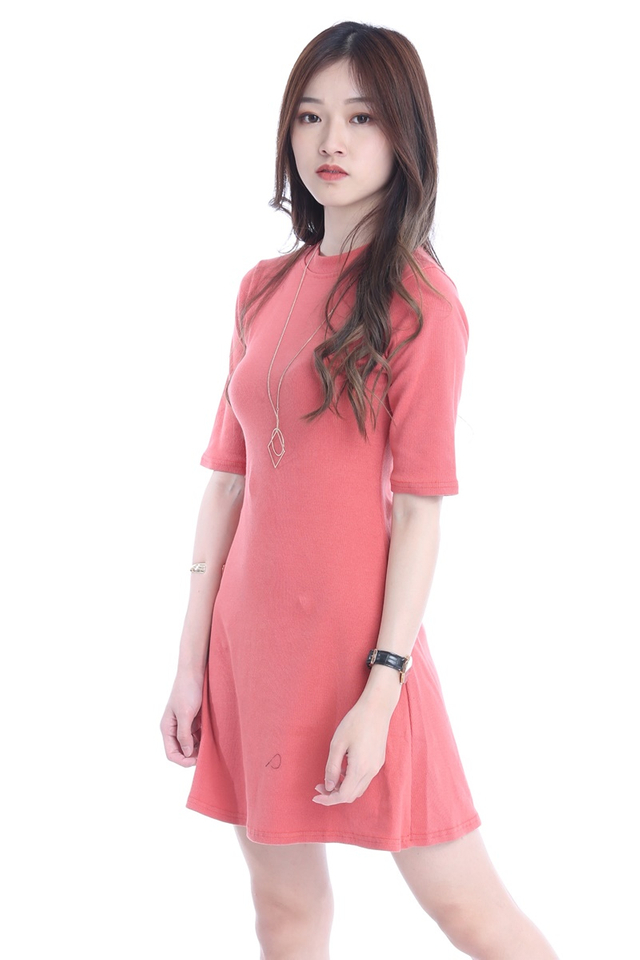 BACKORDER - JOGER DRESS IN PEACH