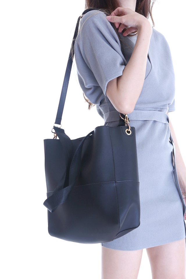 BACKORDER - GAIDA DUO STRAP BAG IN BLACK