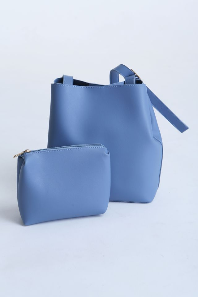 BACKORDER - AVA SHOULDER BAG IN BLUE