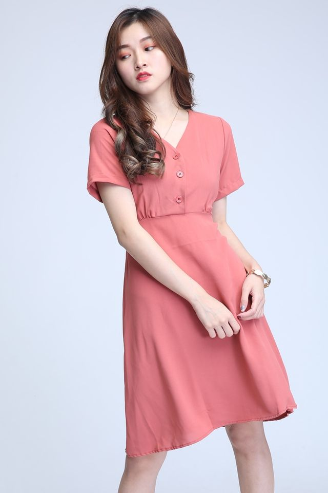 BACKORDER -CHARLIE MIDI DRESS IN PINK