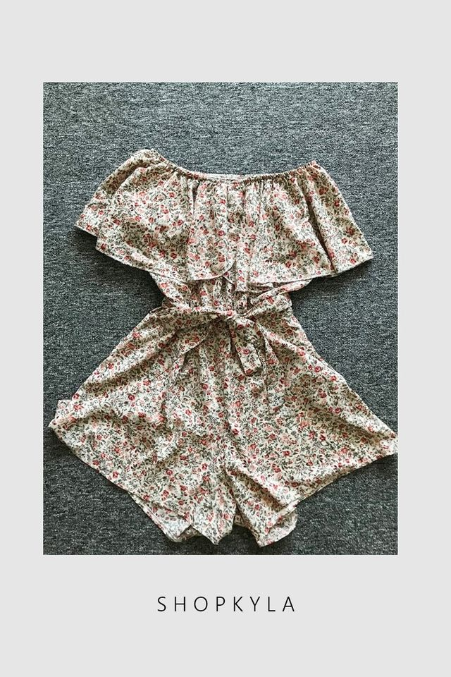 IN STOCK- CECI FLORAL ROMPER IN BEIGH BROWN