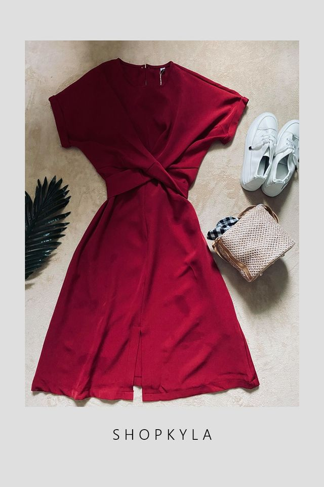 IN STOCK- SONNY TIE WAIST  DRESS IN MAROON