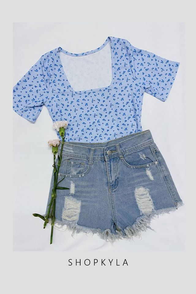 SG IN STOCK -SQUARE NECK FLORAL TOP IN BLUE