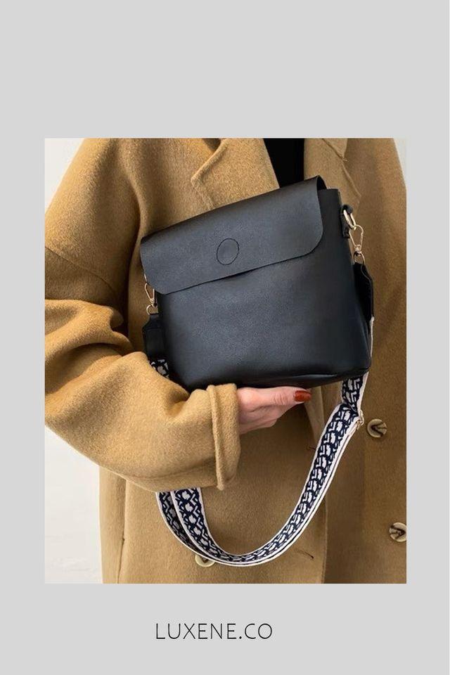 PREORDER - L0198 SLING BAG